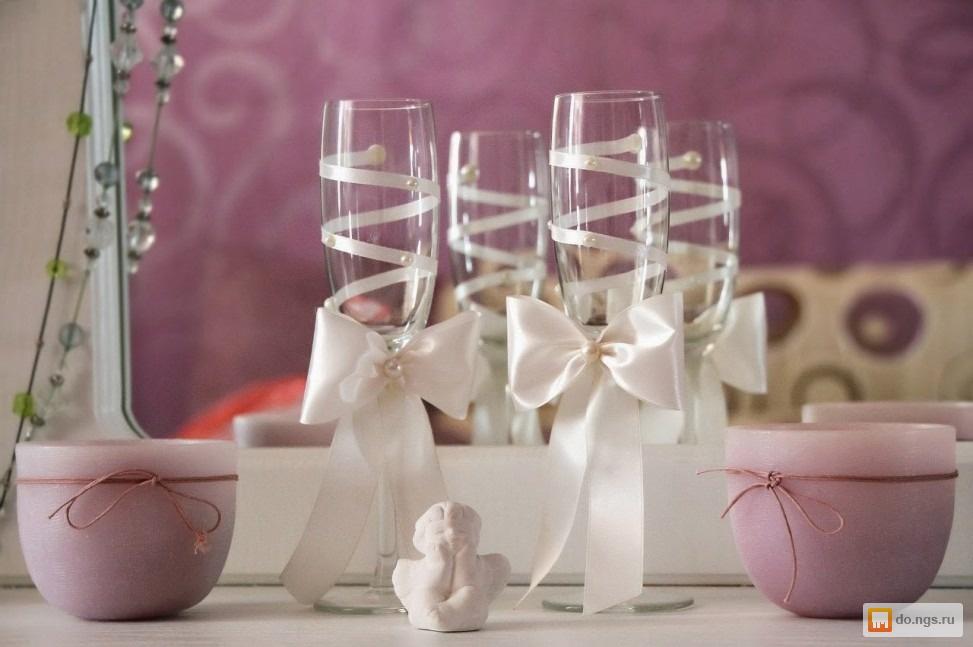 Как и чем украсить свадебные бокалы своими руками