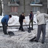 Чистка снега дворов парковок, Омск
