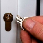 Сломался ключ в замке. Услуги мастера, достать ключ, открыть дверь, Омск